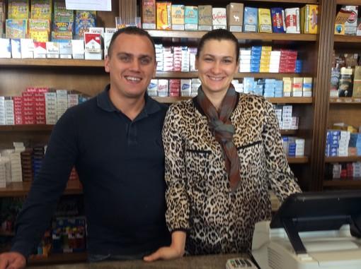 """A Cuneo la tabaccheria del Lungogesso da qualche mese """"parla"""" rumeno"""