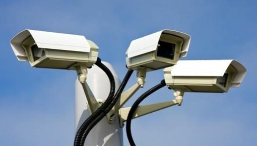 """Dronero, i cittadini segnalano telecamere di sicurezza non attive. Il sindaco: """"Progetto rimodulato per ottenere finalmente finanziamenti"""""""