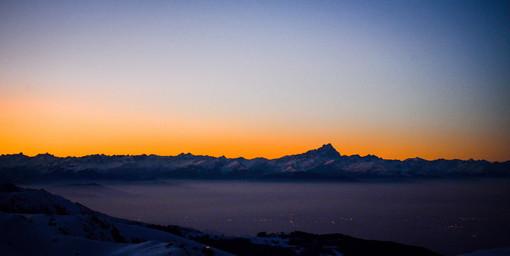 Il calar del sole a Prato Nevoso diventa un rito: si potrà ammirare a 2000 metri mentre tramonta dietro le Alpi