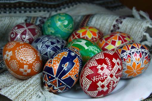 L'uovo di Pasqua, dall'antichità al cioccolato, passando per... Fabergé
