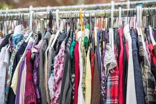 """Savigliano, Oasi Giovani organizza lo """"Swap Party"""" per lo scambio di vestiti e accessori"""