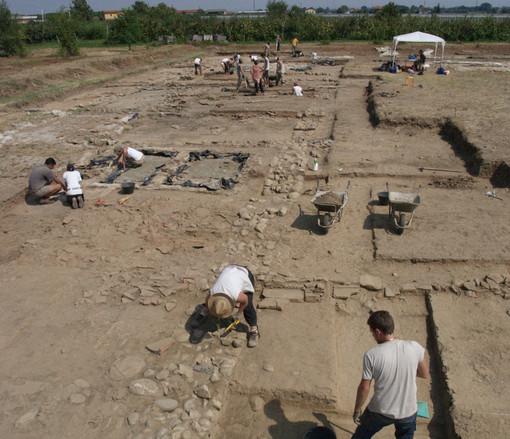 """Visita accompagnata agli scavi archeologici """"villa romana"""" di Costigliole Saluzzo"""