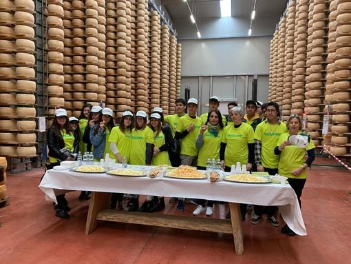 """""""Al contadino non far sapere quanto è buono il Piemontino con le pere"""": i formaggi Valgrana presenti all'evento Pere Made Roero 2019"""