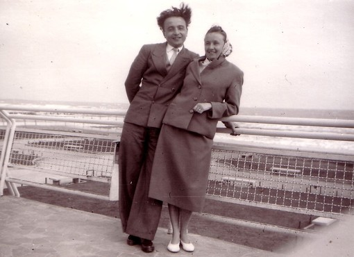 In foto Pierino e Felicina Vallauri (1957), la foto è anche la copertina del cd