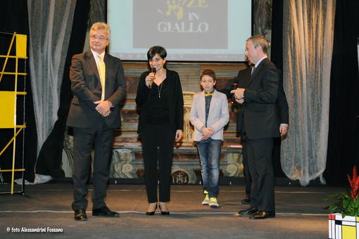 Confini di Sara Vallefuoco vince il XVIII segnalibro d'oro del premio letterario Esperienze in Giallo