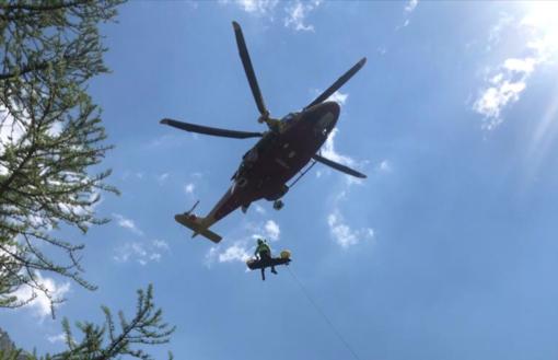 66enne cade in una scarpata lungo il sentiero per il Valasco, elitrasportata al Santa Croce di Cuneo
