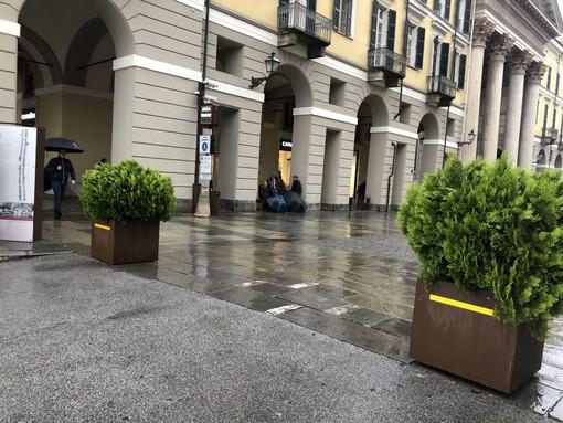 """Macchina percorre via Roma a Cuneo a forte velocità, l'assessore Olivero: """"Gli automobilisti devono rispettare la segnaletica verticale, fra un mese arriverà la multa"""""""
