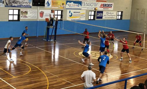 Volley maschile A2 - A Villanova il VBC Mondovì vince 3-1 l'allenamento congiunto con Santa Croce