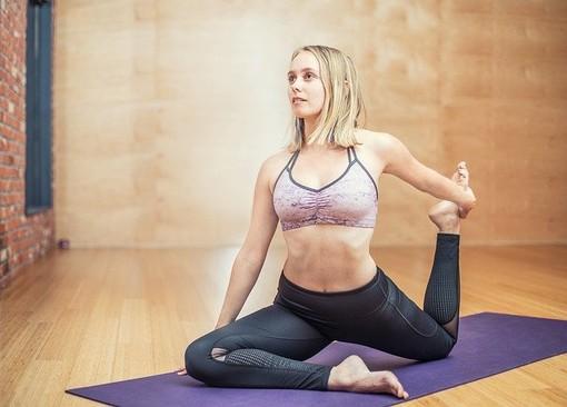 Lo yoga è uno sport completo? La risposta degli esperti di Fitnessaltop