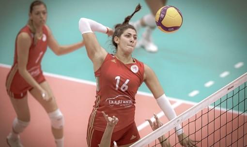 Un primo tempo di Katerina Zakchaiou con la maglia dell'Olympiacos Pireo